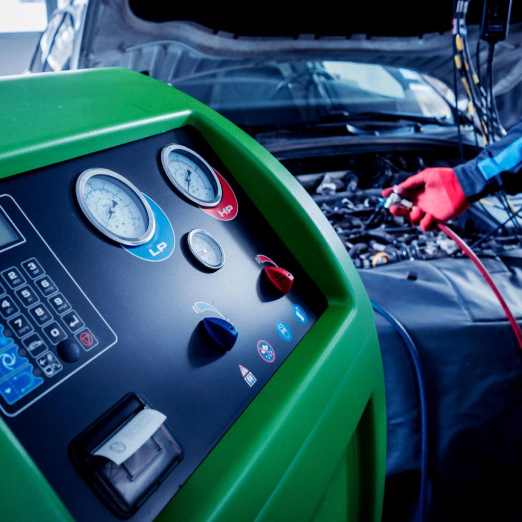 AutoClimaPro - Експесно зареждане на автоклиматици на ниска цена